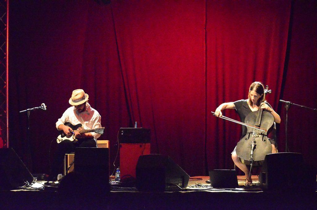 Julia Kent e Asso Stefana, esibizione della scorsa edizione